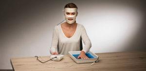 Saalio Iontophoresegerät – Iontophorese-Therapie gegen starkes Schwitzen im Gesicht (Hyperhidrosis facialis)